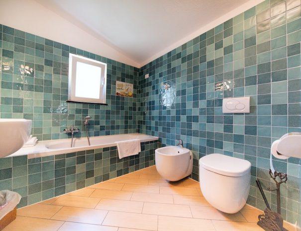_50A0524 bagno con vasca