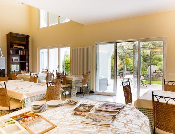 _A5C0076 sala colazioni v esterni